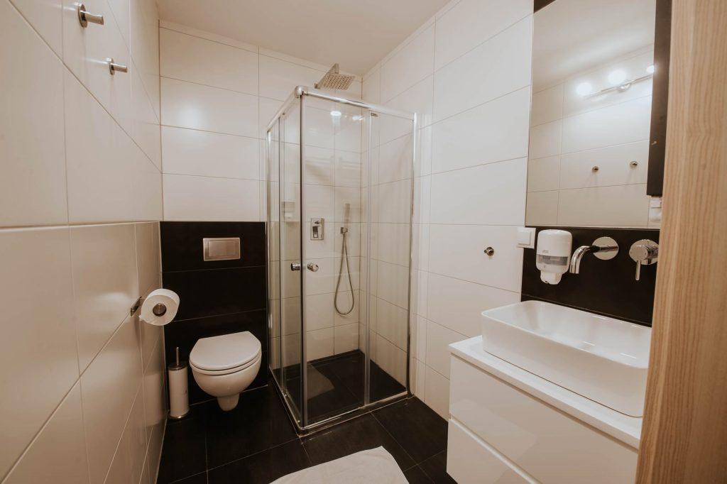 pokój dwuosobowy premium łazienka