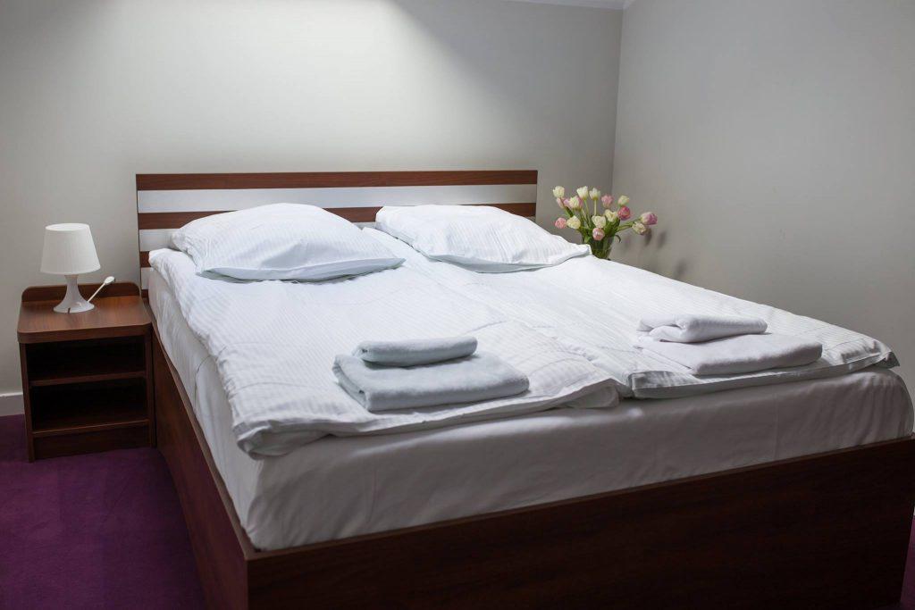 pokój 2 osobowy standard łóżko podwójne